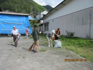 地域清掃活動と栄山稲荷