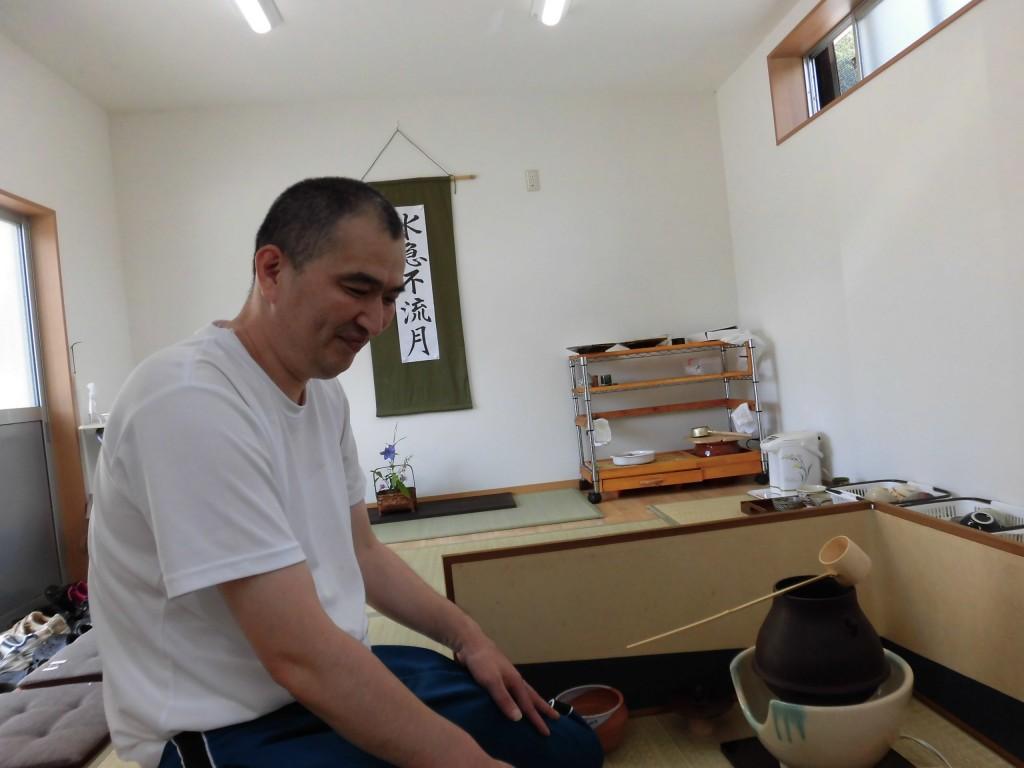 すかい寮  7月「わさび」と「からし」茶道教室