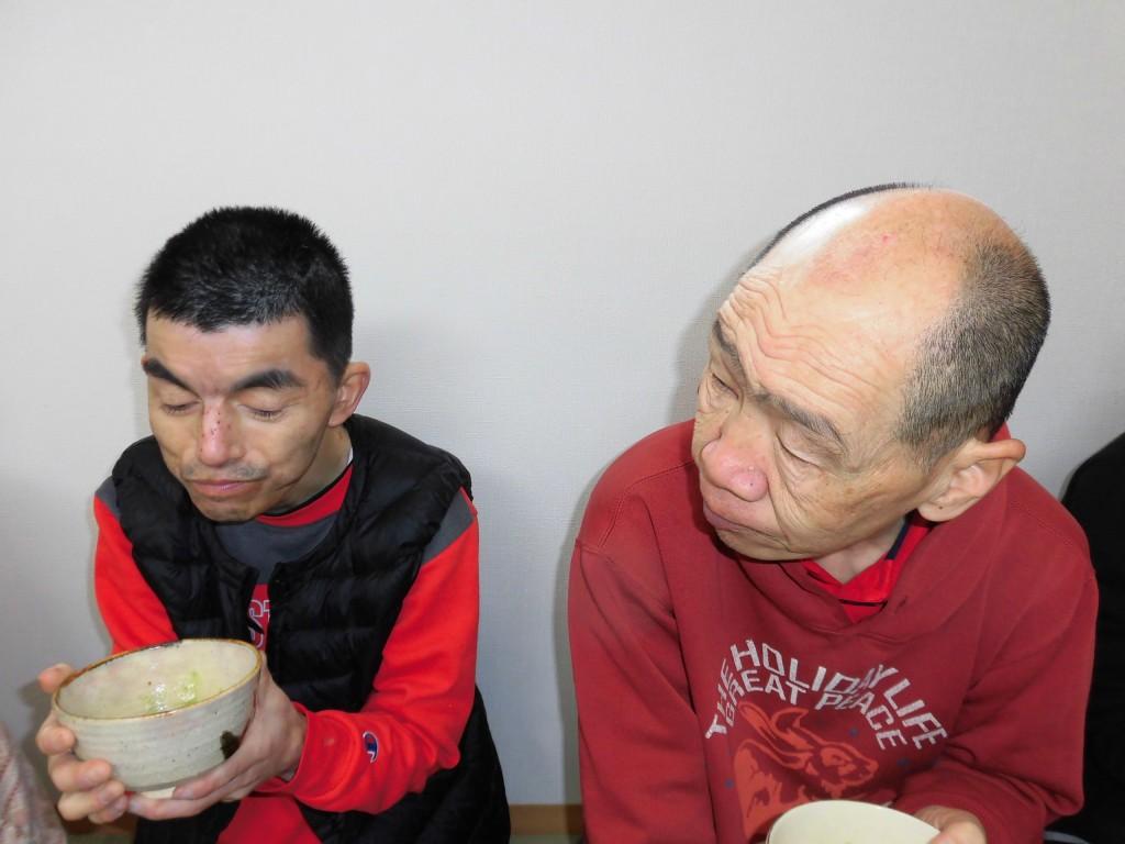 すかい寮 3月「わさび」と「からし」の茶道教室 柴倉