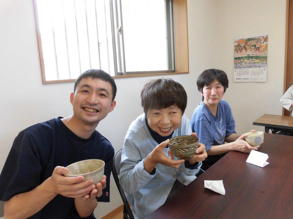 すかい寮 5月「わさび」と「からし」の茶道教室