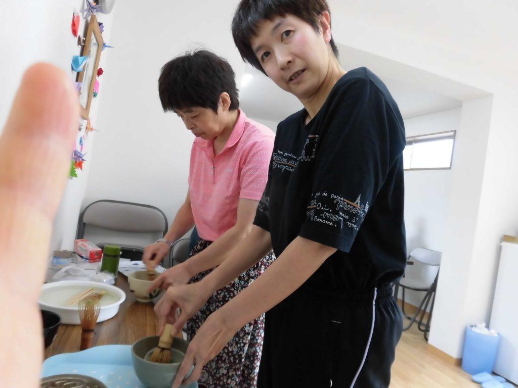 すかい寮 6月「わさび」と「からし」の茶道教室