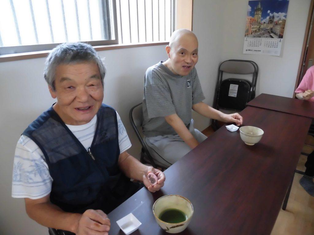すかい寮 9月「わさび」と「からし」の茶道教室